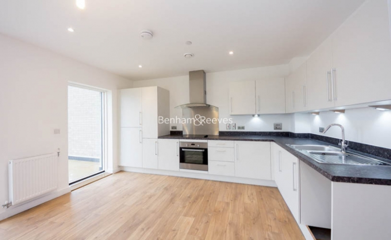 picture of 2 Bedroom(s) flat in  Bawley Court, Magellan Boulevard, Beckton, E16