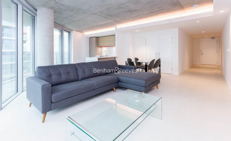 picture of 3-bed flat in  Canary Wharf