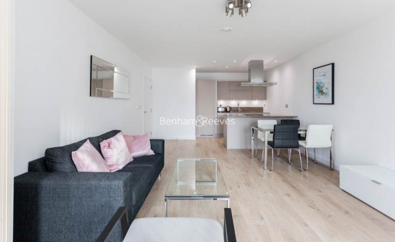 picture of 1 Bedroom(s) flat in  Williamsburg Plaza, Poplar, E14