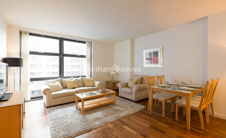 picture of 1 Bedroom(s) flat in  South Quay Square, Discovery Dock West, Canary Wharf, E14