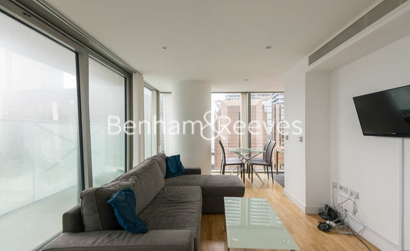 picture of 1 Bedroom(s) flat in  Landmark East Tower, Canary Wharf, E14