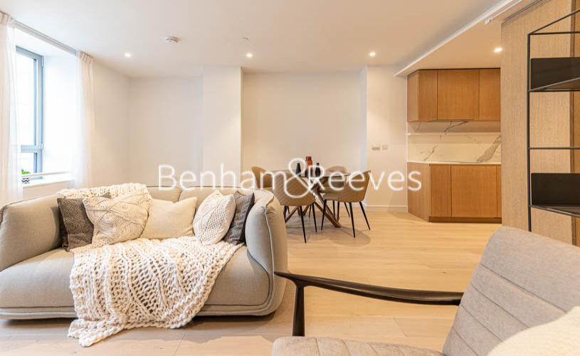 picture of Studio flat in  10 Park Drive, Canary Wharf, E14