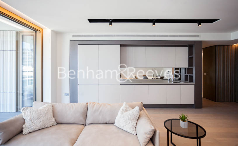 picture of 1 Bedroom(s) flat in  1 Park Drive, Canary Wharf, E14