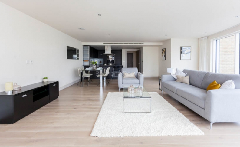 picture of 2 Bedroom(s) flat in  Townmead Road, Fulham, SW6