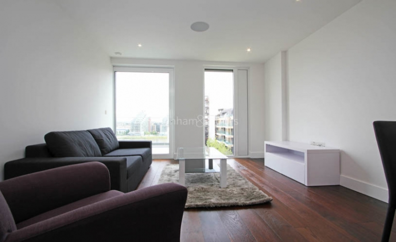 picture of 1 Bedroom(s) flat in  Central Avenue, Fulham, SW6