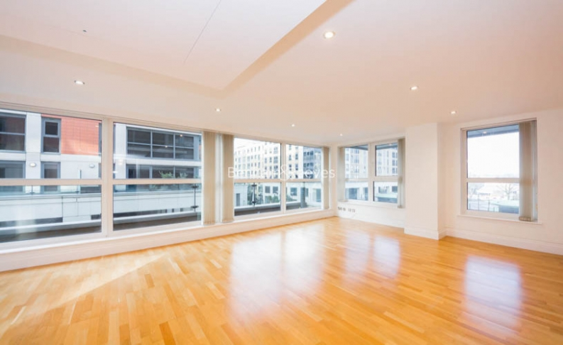 picture of 2 Bedroom(s) flat in  The Boulevard, Imperial Wharf, SW6