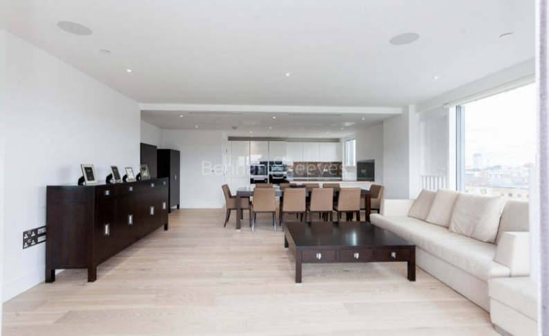 picture of 3 Bedroom(s) flat in  Central Avenue, Fulham Riverside, SW6