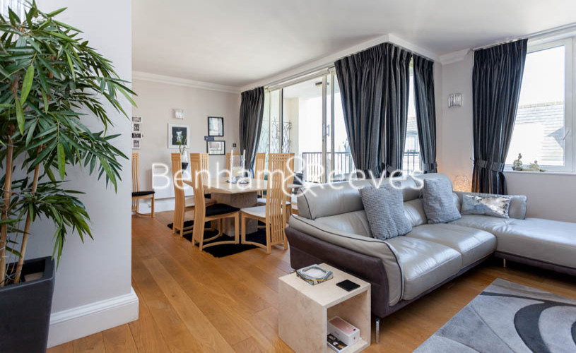 picture of 2 Bedroom(s) flat in  Chelsea Harbour, Imperial Wharf, SW6