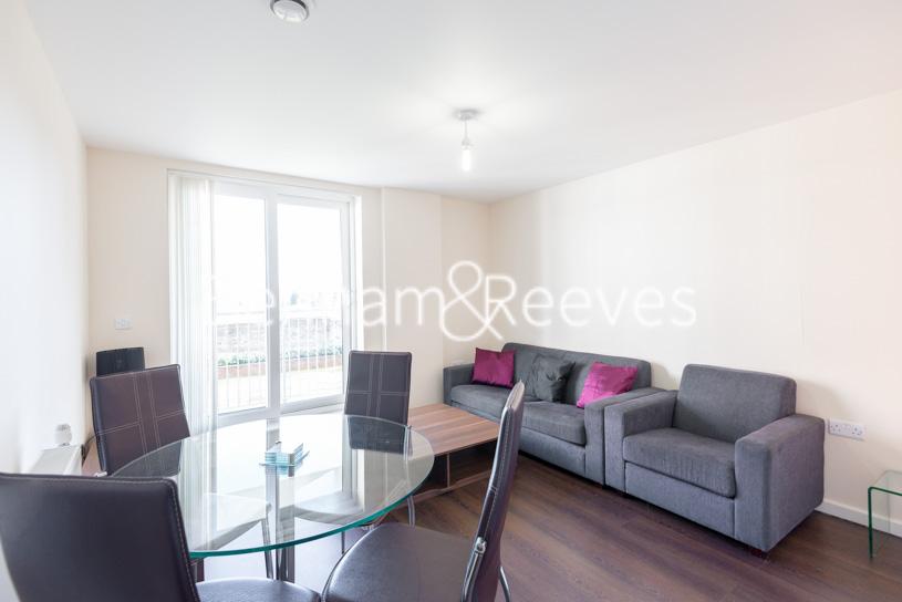 picture of 1 Bedroom(s) flat in  Lankaster Gardens, Highgate, N2