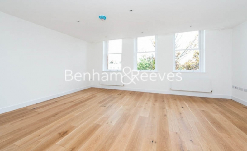 picture of 3 Bedroom(s) flat in  Upper Street, Islington, N1