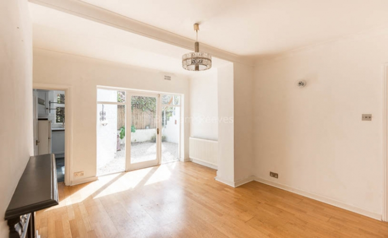 picture of 2 Bedroom(s) flat in  Tufnell Park Road, Tufnell Park, N7