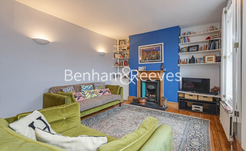 picture of 2 Bedroom(s) flat in  Winscombe Street, Dartmouth Park, N19