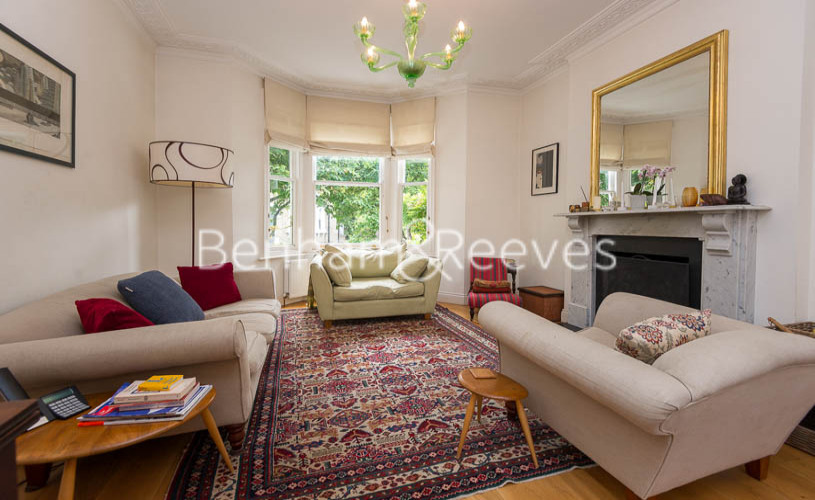 picture of 5-bed flat in  Highgate