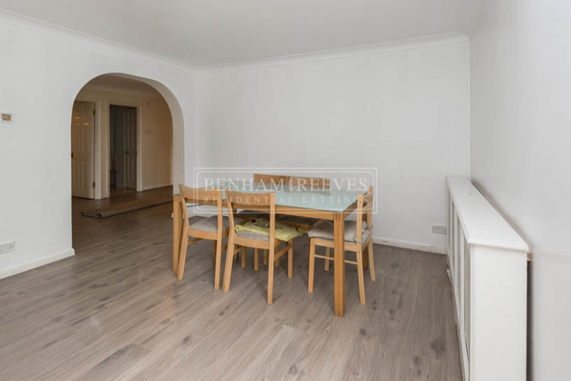 picture of 3 Bedroom(s) flat in  Hornsey Lane, Highgate, N6