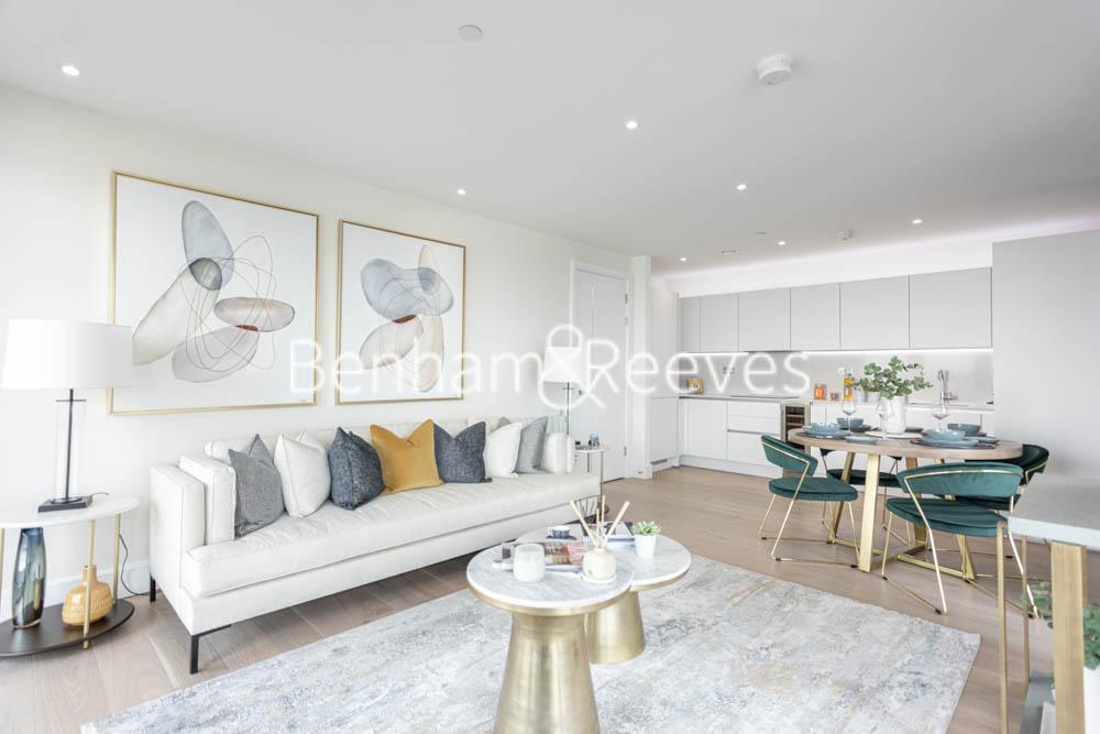 picture of 3 Bedroom(s) flat in  Duke of Wellington Avenue, Woolwich, SE18
