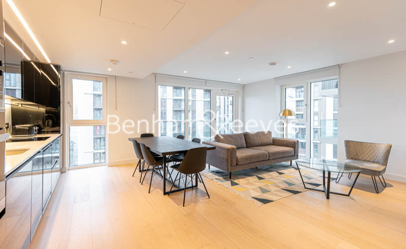 picture of 2 Bedroom(s) flat in  Lincoln Apartments, White City W12