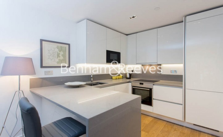 1 Bedroom flat to rent in Longfield Avenue, Ealing, W5