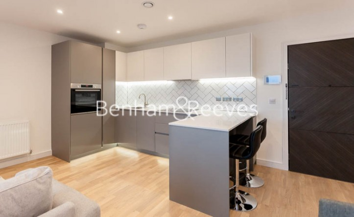 1 Bedroom flat to rent in Accolade Avenue, Southhall,UB1
