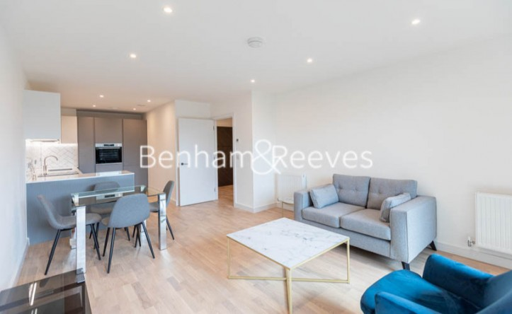 1 Bedroom flat to rent in Accolade Avenue, Southall, UB1