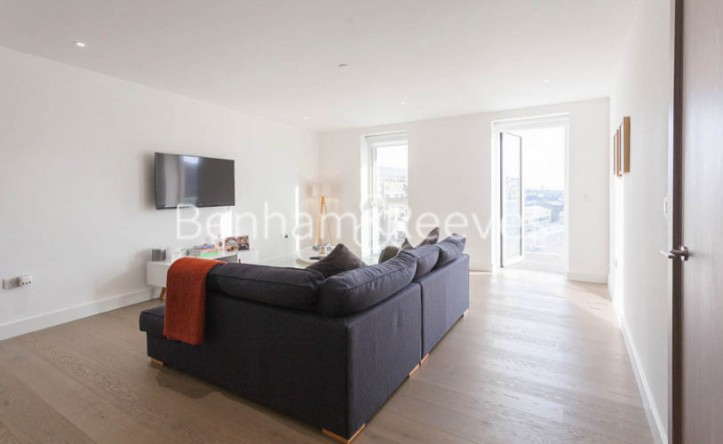 2 Bedroom flat to rent in London Dock, Wapping, E1W