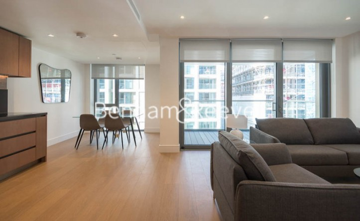 2 Bedroom flat to rent in Chartwell House, Palmer Road, SW11