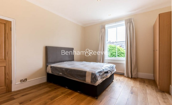 2 Bedroom flat to rent in Gayton Crescent, Hampstead, NW3