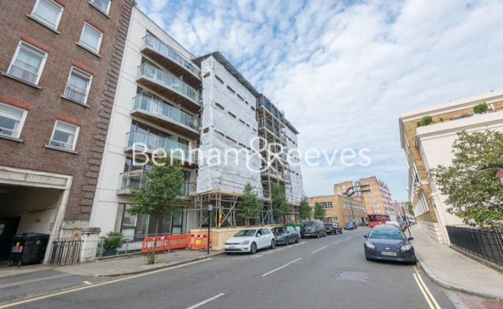 2 Bedroom flat to rent in Allsop Place, Marylebone, NW1