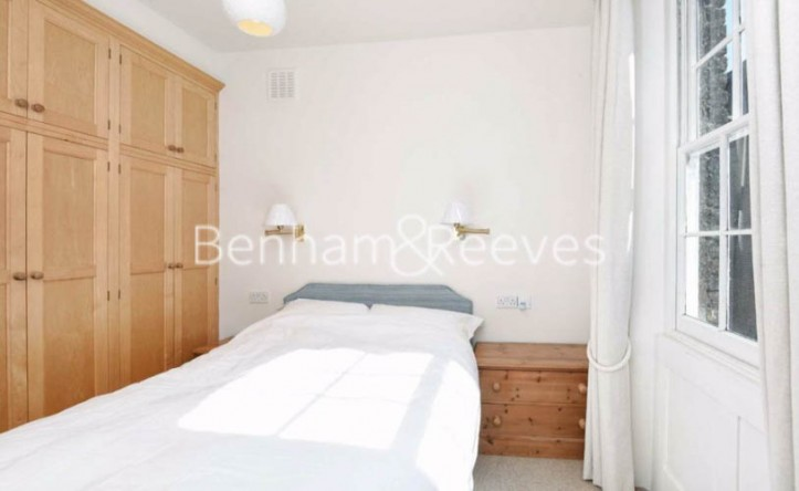 1 Bedroom flat to rent in Lucerne Mews, Kensington, W8