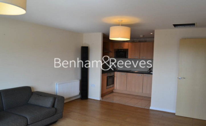 1 Bedroom flat to rent in Mannock Close, Colindale, NW9