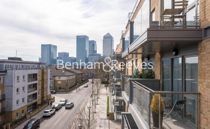 1 Bedroom flat to rent in Upper North Street, Canary Wharf, E14