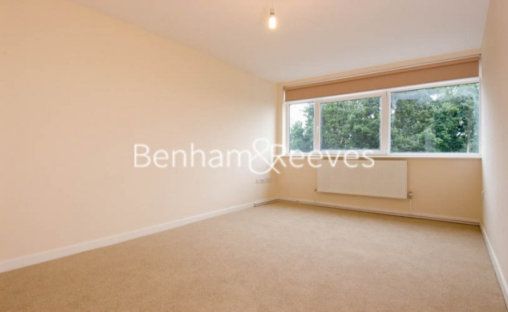 2 Bedroom flat to rent in Shepherds Hill, Highgate, N6