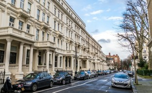 Earl's Court Area Guide