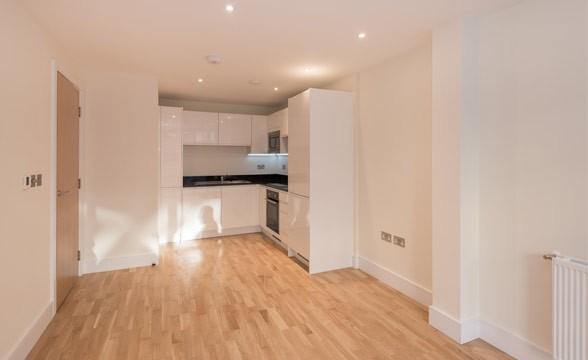 Canary Gateway, E14 - Kitchen