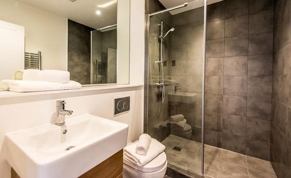 Earlington, SW5 - Bathroom