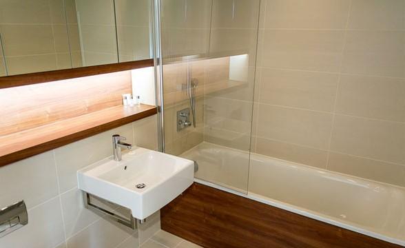 Greenwich Square, SE10 - Bathroom