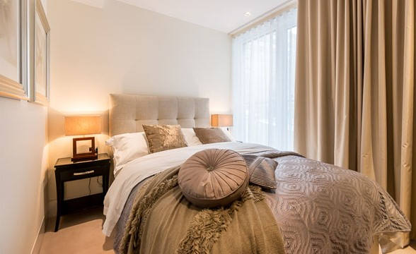 375 Kensington High Street, W14 - Bedroom