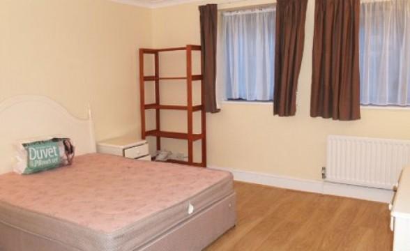 Kensington Church Street, W8 - Bedroom