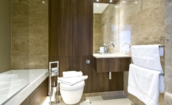 Kew Bridge, TW8 - Bathroom