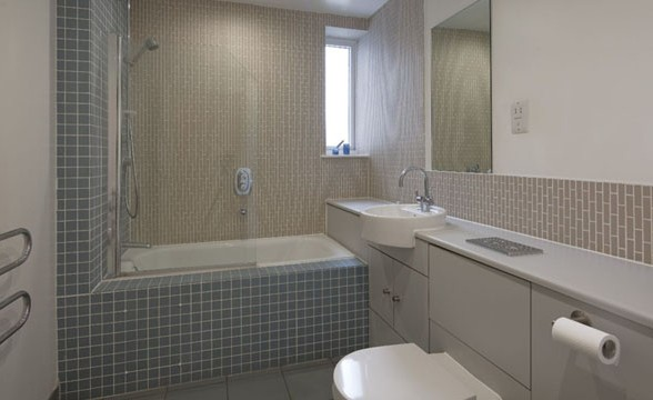 Kew Bridge Court, W4 - Bathroom