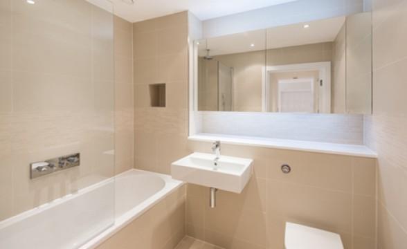 Kew Bridge West, TW8 - Bathroom
