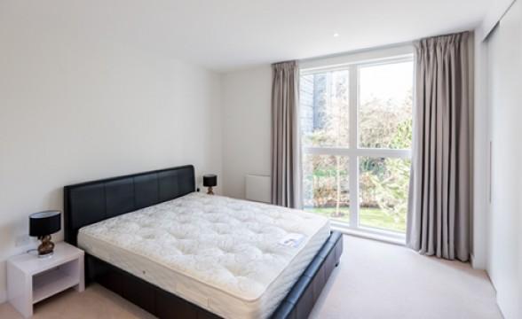 Kew Bridge West, TW8 - Bedroom