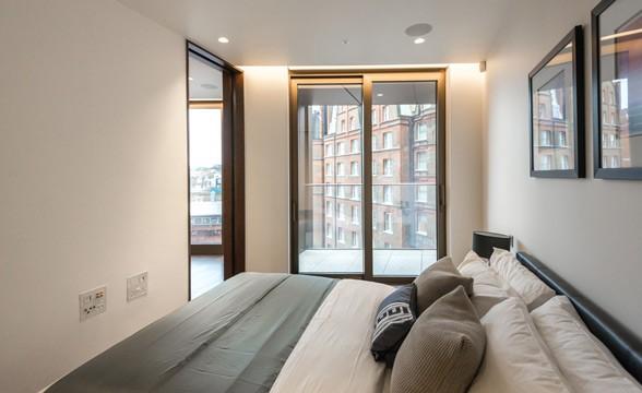 Kings Gate Walk, SW1 - Bedroom