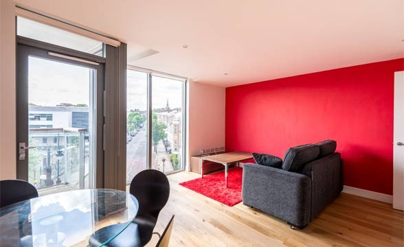 Packington Square, N1 - Reception