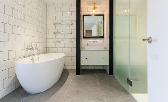 Queen's Wharf, W6 - Bathroom
