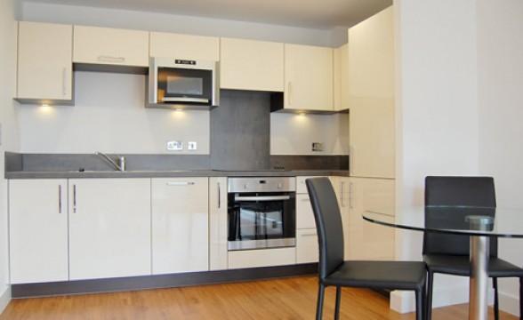 Renaissance Lewisham, SE13 - Kitchen