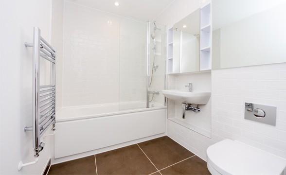 Royal Arsenal Riverside, SE18 - Bathroom