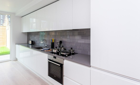 Royal Wharf, E16 - Kitchen