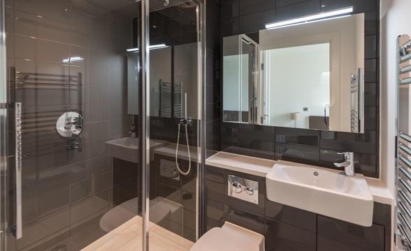 TNQ, NW9 - Bathroom