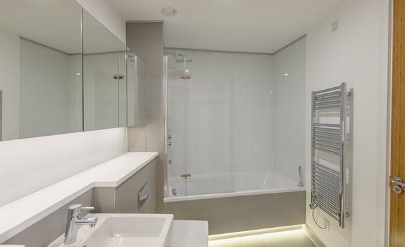 Tower Bridge Gardens, SE1 - Bathroom