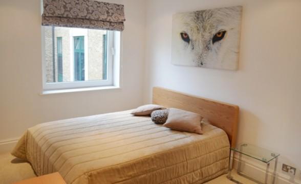 Warren House (Kensington Westside), W14 - Bedroom
